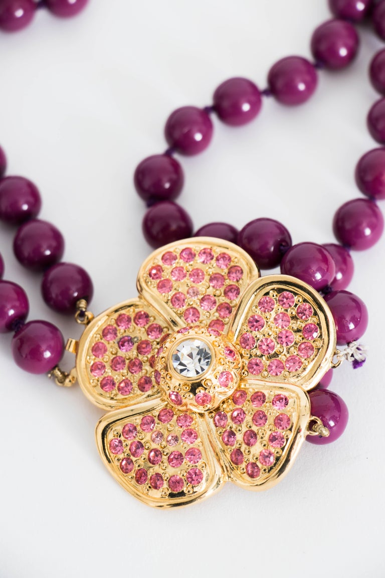 A 1980s Yves Saint laurent Multi-Strand Necklace with Floral Rhinestone Detail In Good Condition For Sale In Copenhagen, DK