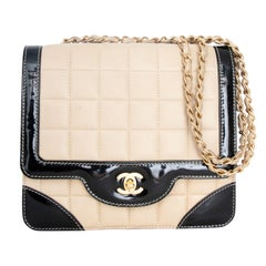 A 1990s Chanel Beige Quilted leather and Black Patent Leather Shoulder Bag