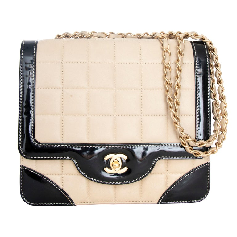 A 1990s Chanel Beige Quilted leather and Black Patent Leather Shoulder Bag  For Sale