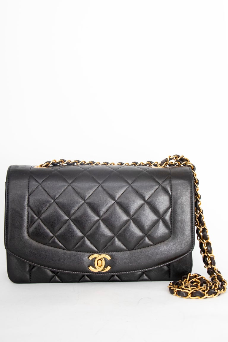 A 1990s Chanel Black Quilted Lambskin Bag Gold Hardware In Good Condition For Sale In Copenhagen, DK