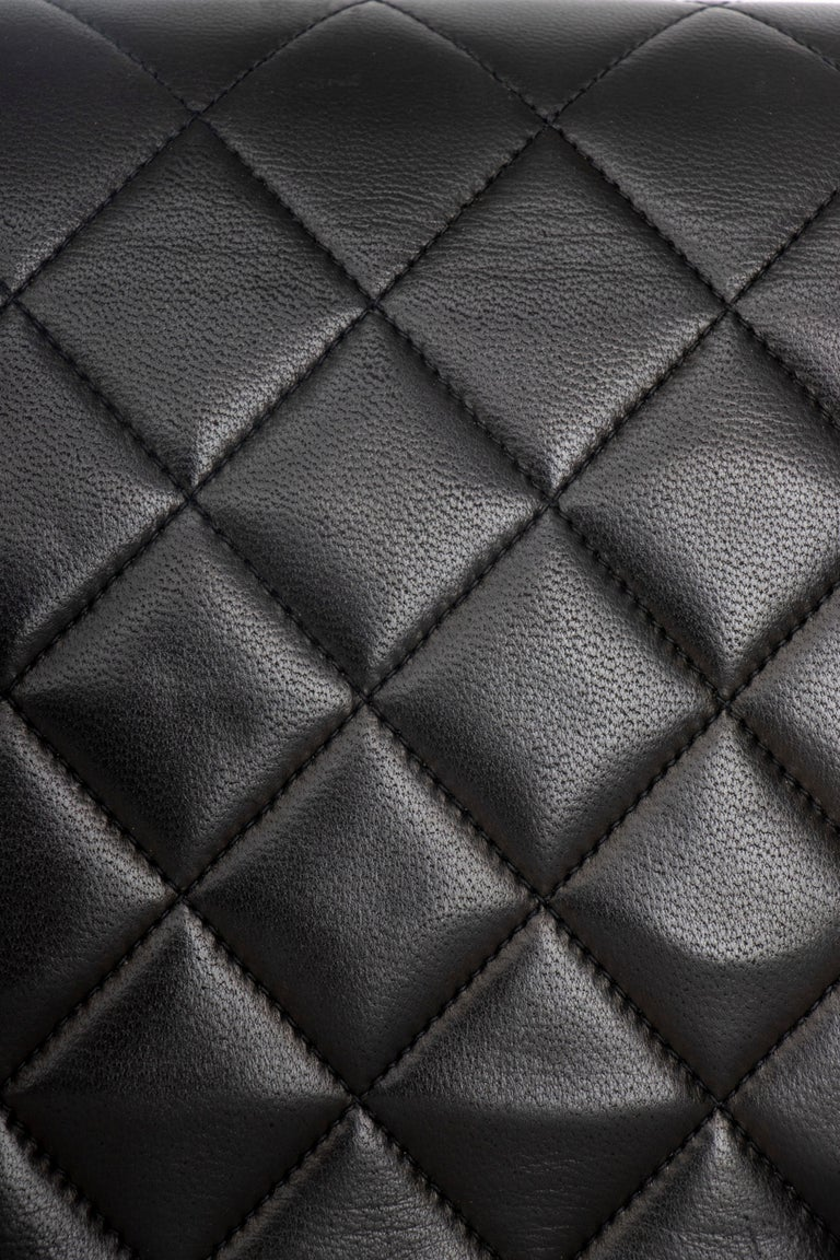 A 1990s Chanel Black Quilted Lambskin Bag Gold Hardware For Sale 2