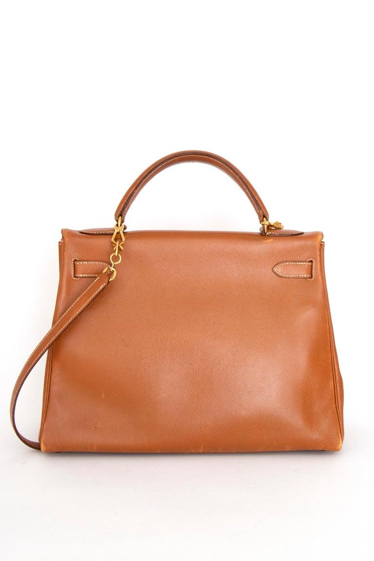 Women's A 1990s Vintage Hermès Kelly 32 Epsom Handbag with Gold Hardware  For Sale