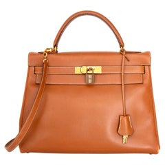 A 1990s Vintage Hermès Kelly 32 Epsom Handbag with Gold Hardware