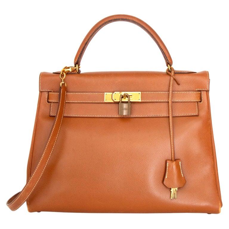 A 1990s Vintage Hermès Kelly 32 Epsom Handbag with Gold Hardware  For Sale