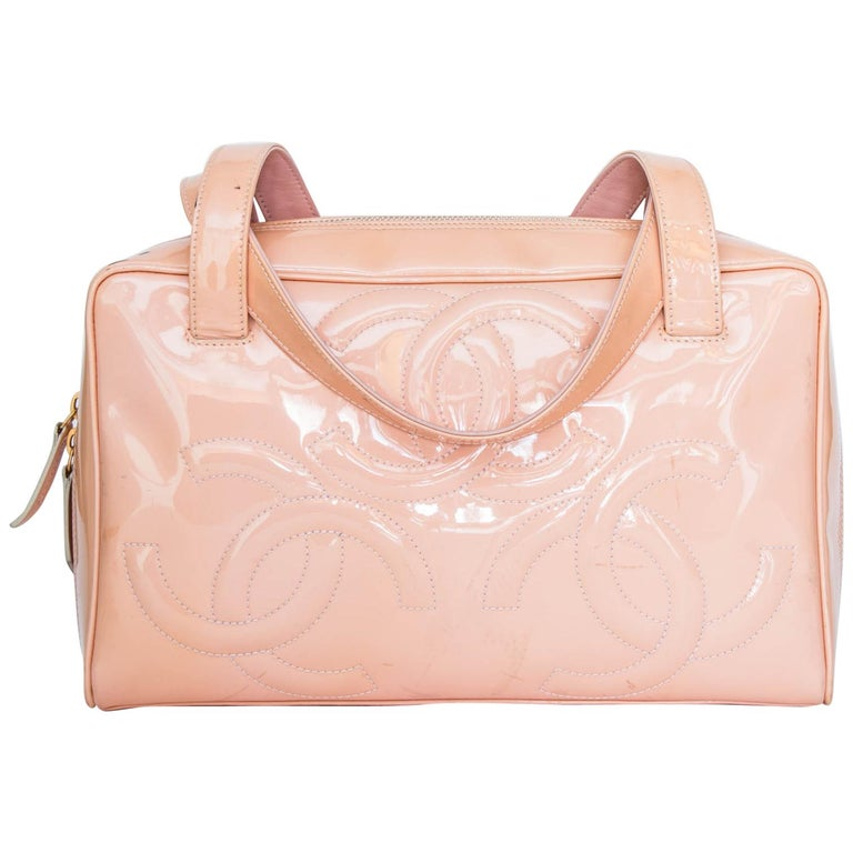 c10d94393431 A 1990s Vintage Pink Chanel Paten Leather Handbag For Sale at 1stdibs