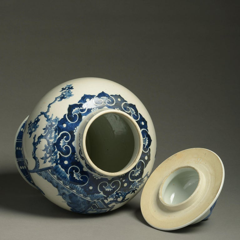 19th Century Blue and White Porcelain Vase and Cover In Good Condition For Sale In London, GB