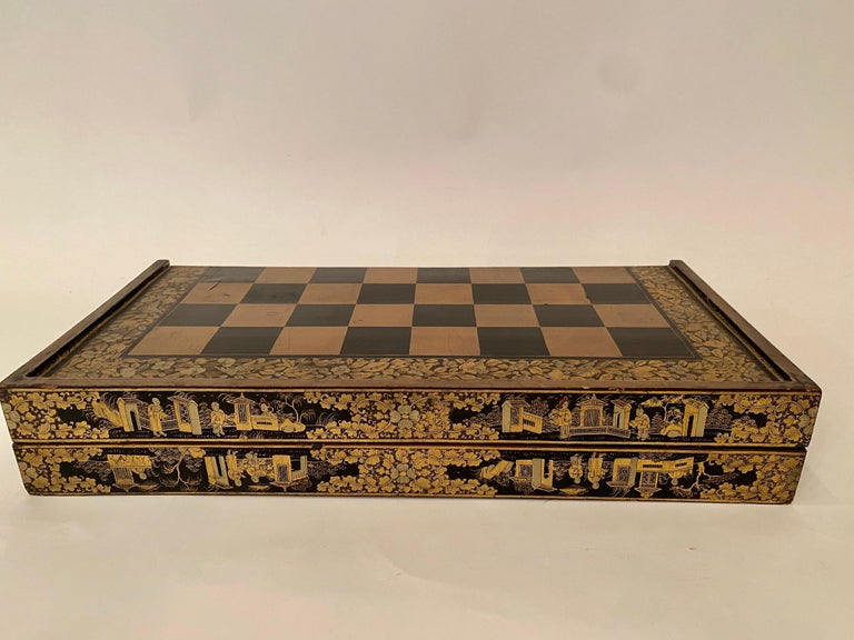 19th Century Chinese Export Lacquer Chess and Backgammon Board In Good Condition For Sale In Brea, CA