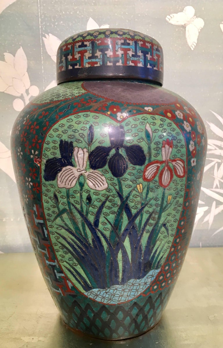 19th Century Japanese Cloisonné Lidded Jar In Good Condition For Sale In New York, NY