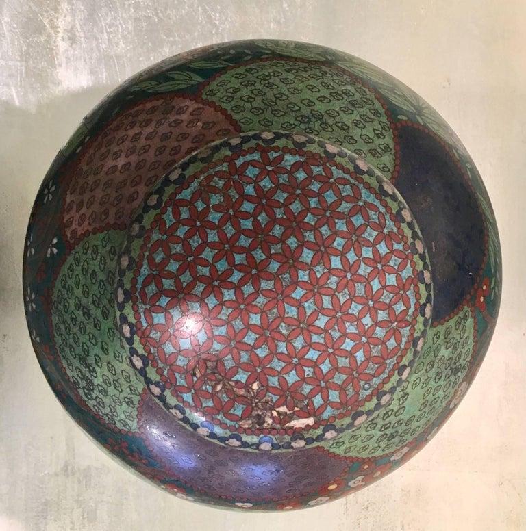 19th Century Japanese Cloisonné Lidded Jar For Sale 1