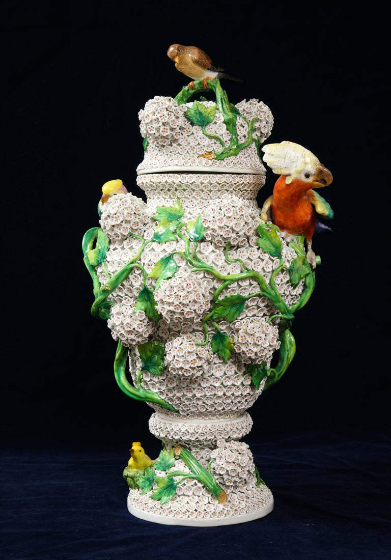 Louis XVI 19th Century Meissen Porcelain Schneeballen Snowball Vase with Meissen Birds For Sale