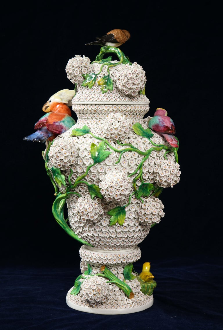 German 19th Century Meissen Porcelain Schneeballen Snowball Vase with Meissen Birds For Sale