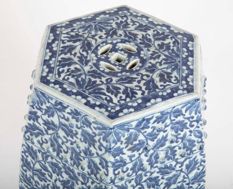 19th Century Sextagonal Blue and White Chinese Porcelain Garden Seat 6