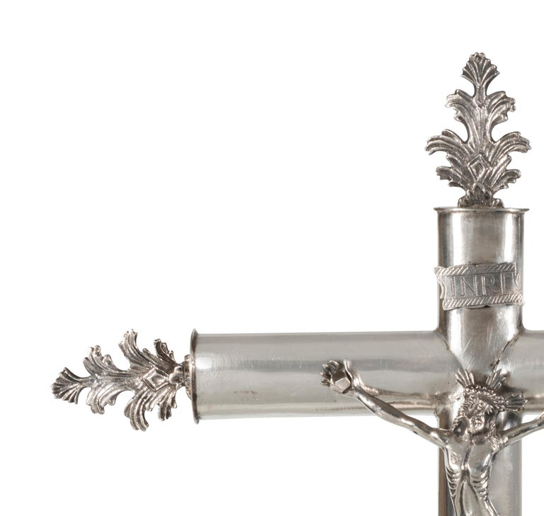 A 19th Century Spanish Silver-Plated Alter Crucifix In Good Condition For Sale In Armadale, Victoria