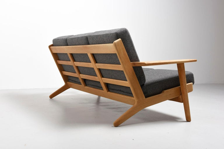 3-Seat Sofa Model GE-290, Hans J. Wegner In Good Condition For Sale In Antwerpen, BE