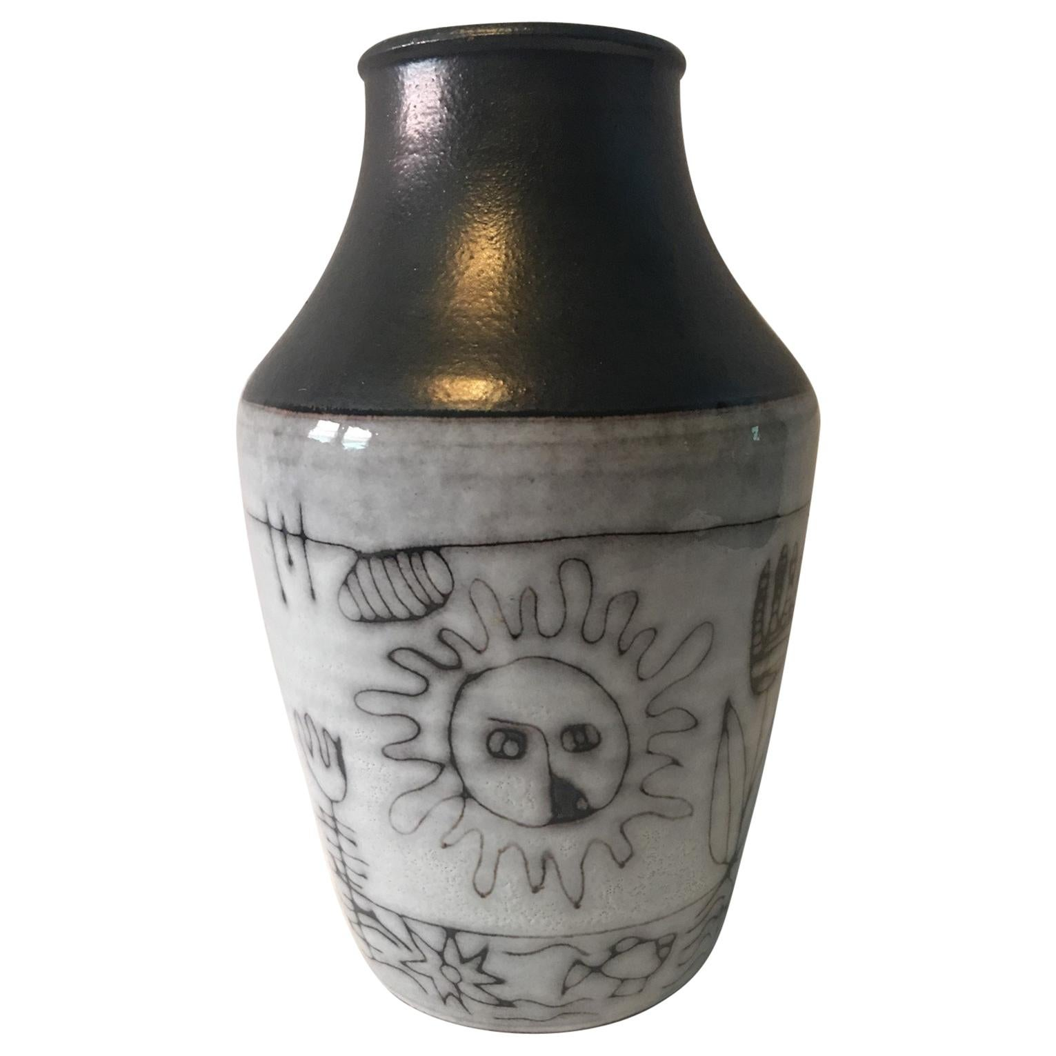 A beautiful Ceramic vase by Wilhelm and Elly Kuch