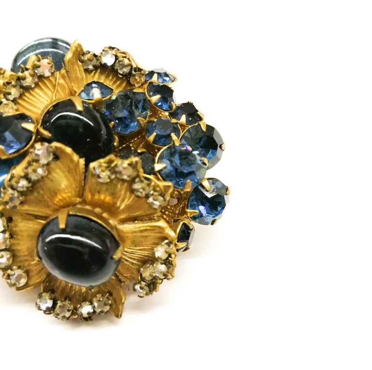 A beautiful sapphire paste and gilt metal 'cluster' brooch, De Mario, 1950s 3