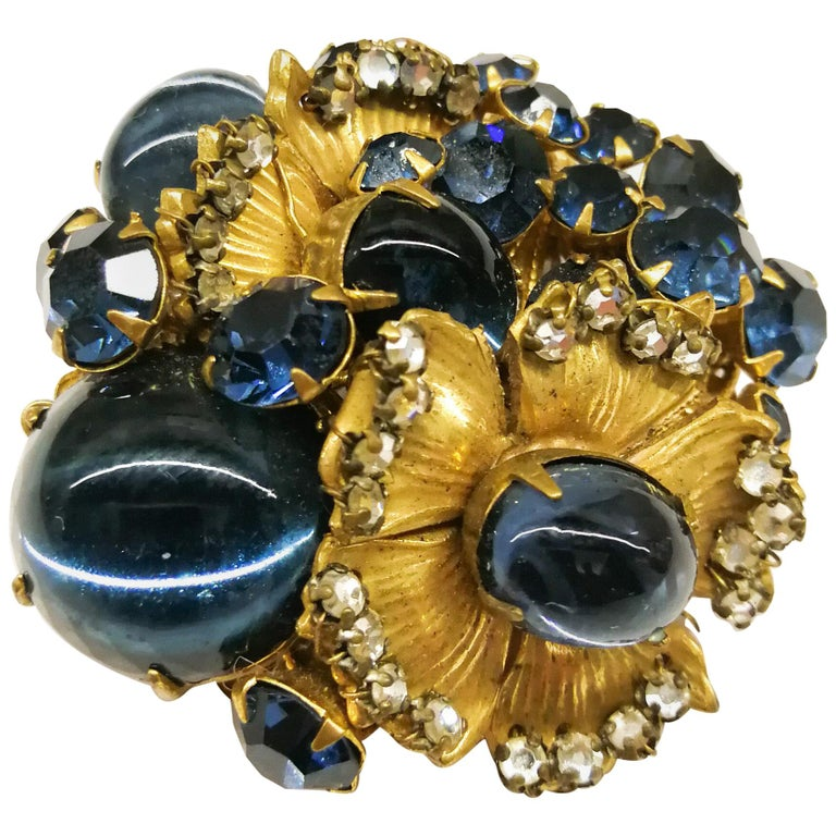 A beautiful sapphire paste and gilt metal 'cluster' brooch, De Mario, 1950s