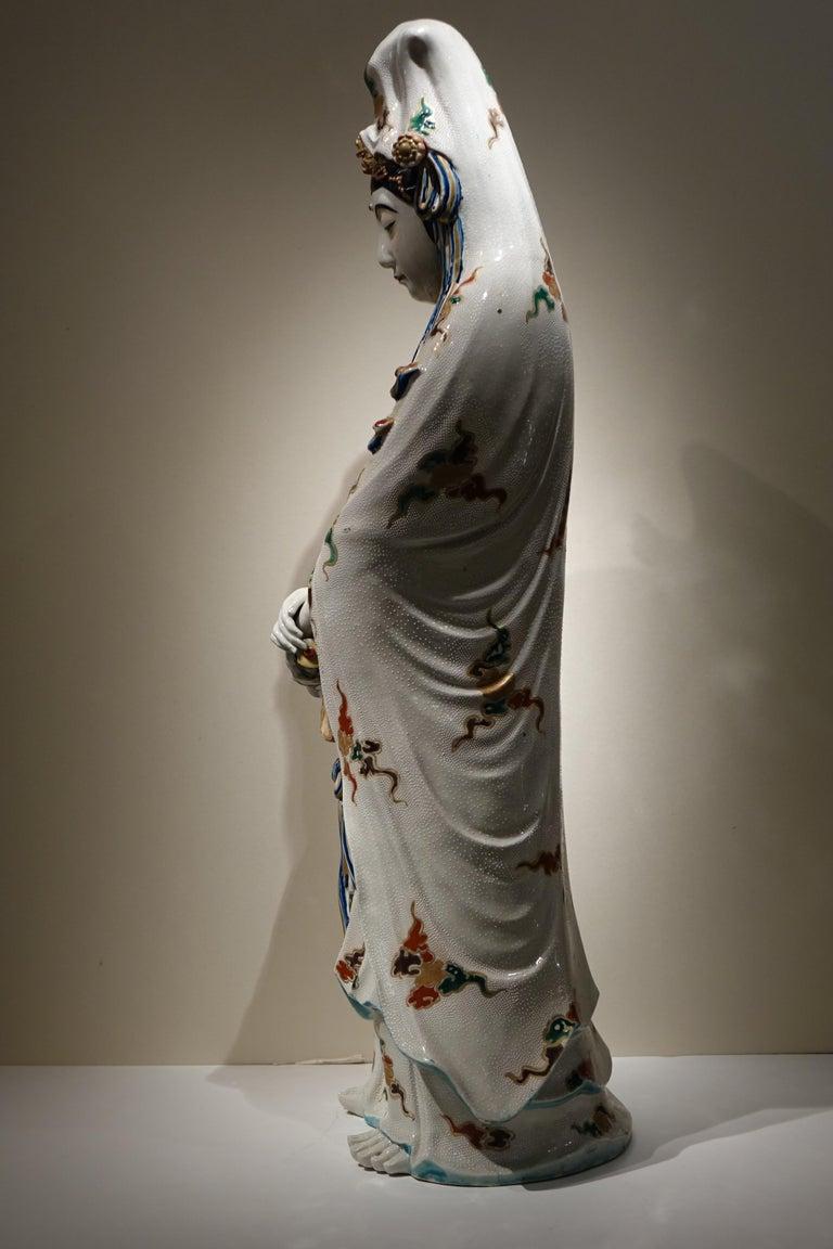Japonisme Big Statue of Kannon in Kutani Porcelain, Japan, Meiji Period, 19th Century For Sale