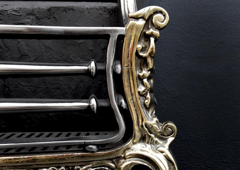 Brass and Steel Rococo Firegrate In Good Condition For Sale In London, GB