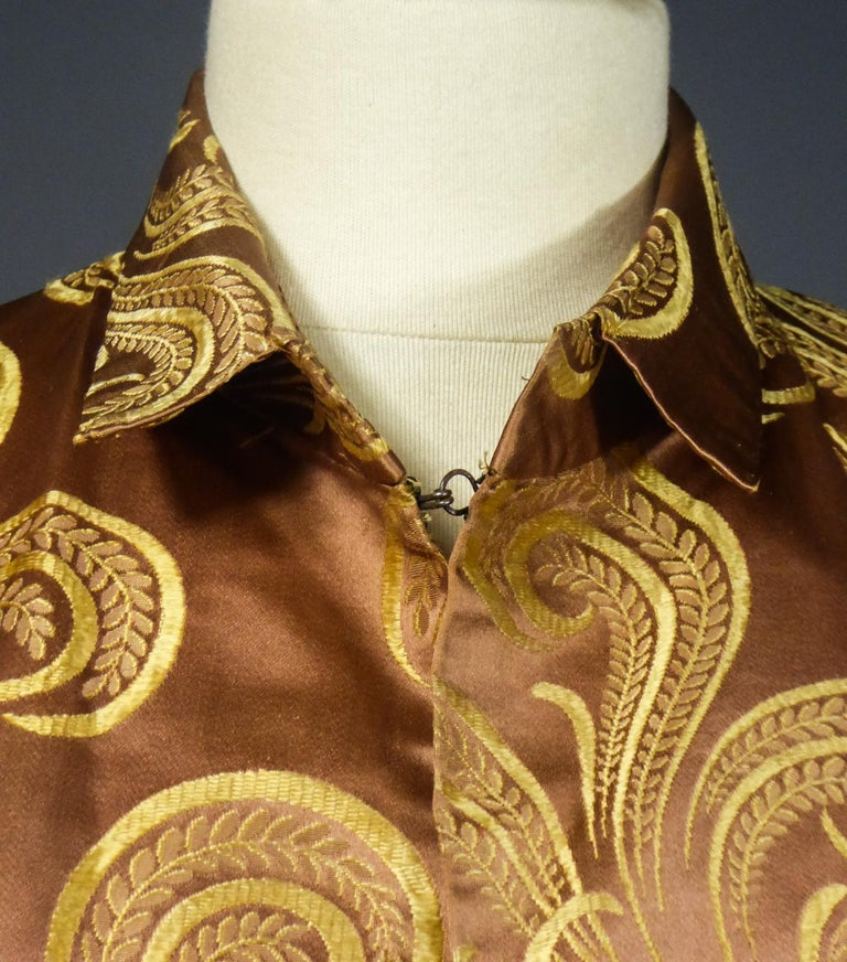A Brocaded Satin Silk Evening Jacket Circa 1930/1950 For Sale 2