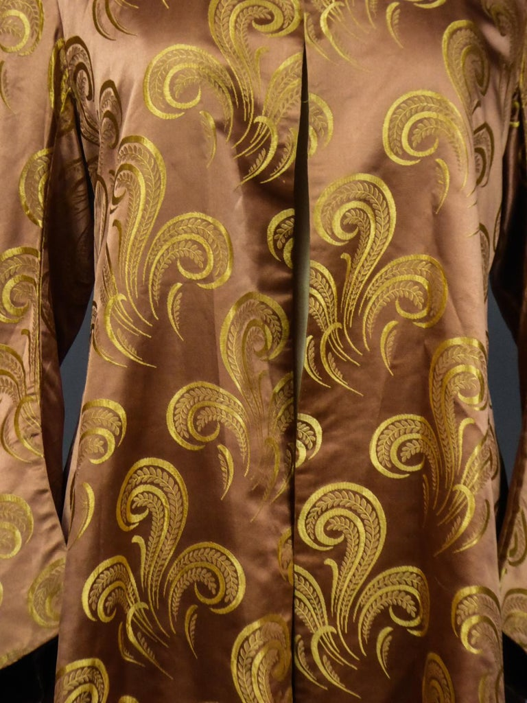A Brocaded Satin Silk Evening Jacket Circa 1930/1950 For Sale 3