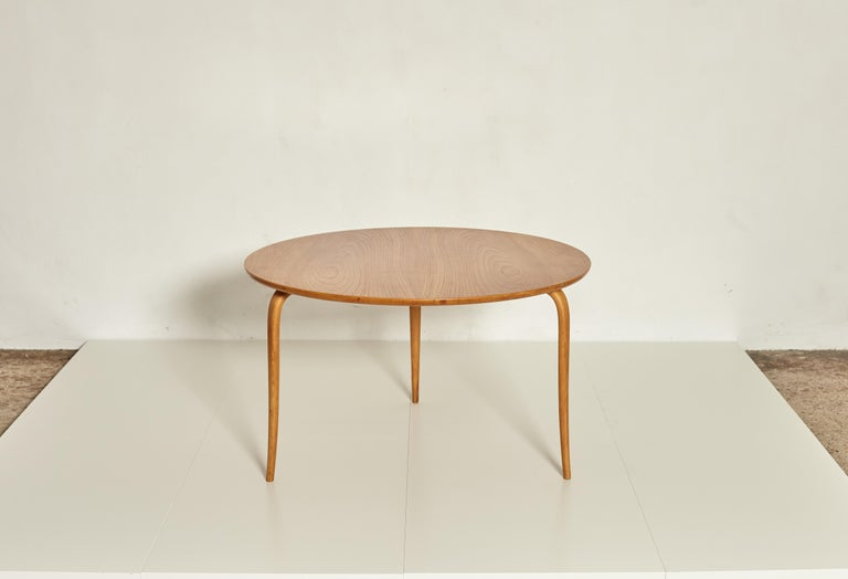 A large Bruno Mathsson circular coffee table, manufactured by Karl Mathsson, Sweden in the 1940s or 1950s with makers label attached. Birch legs and an ashwood top. Very good vintage condition. Ships worldwide.  Height 56 cm, diameter 95 cm.     UK