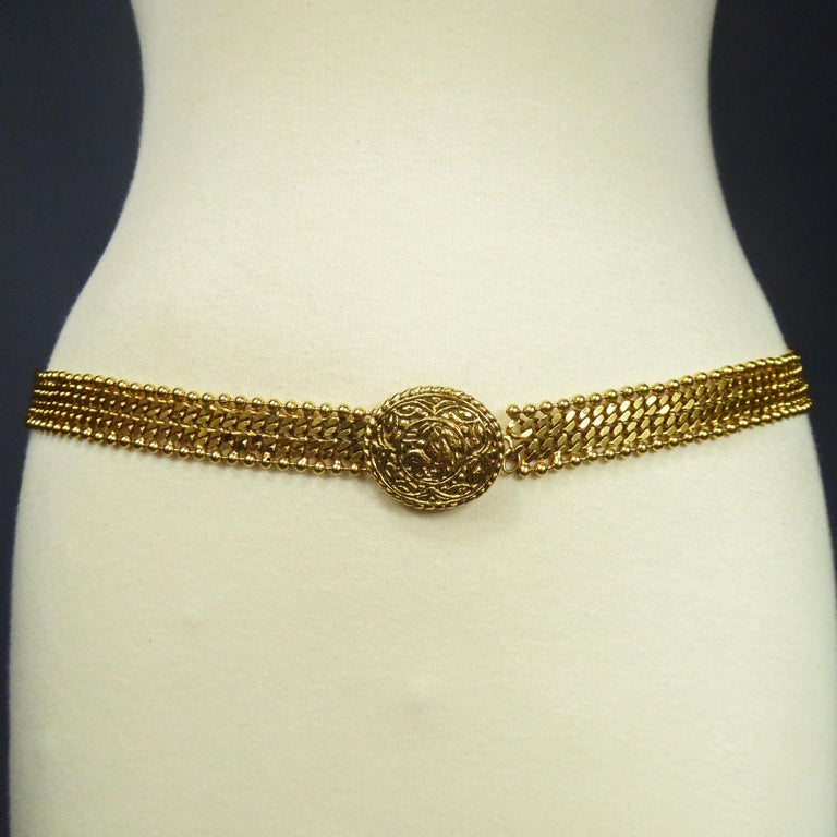 A Chanel Evening Belt in Golden Metal Circa 1970/1980 For Sale 1