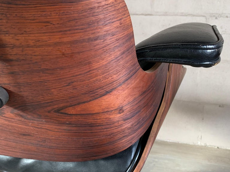 Charles Eames Herman Miller Lounge Chair and Ottoman 1956 For Sale 1
