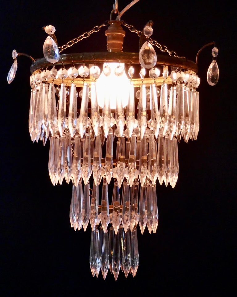 Charming Art Deco 4-Tier Waterfall Pendant Chandelier In Good Condition In Chillerton, Isle of Wight