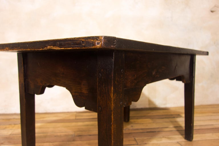 A Charming Mid 18th Century Joined Oak Country Farmhouse Table For Sale 7