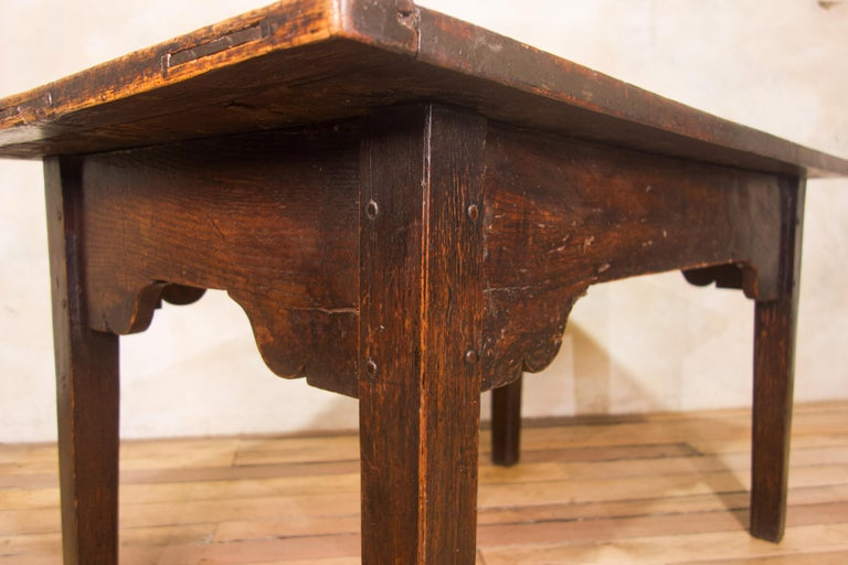 A Charming Mid 18th Century Joined Oak Country Farmhouse Table For Sale 2