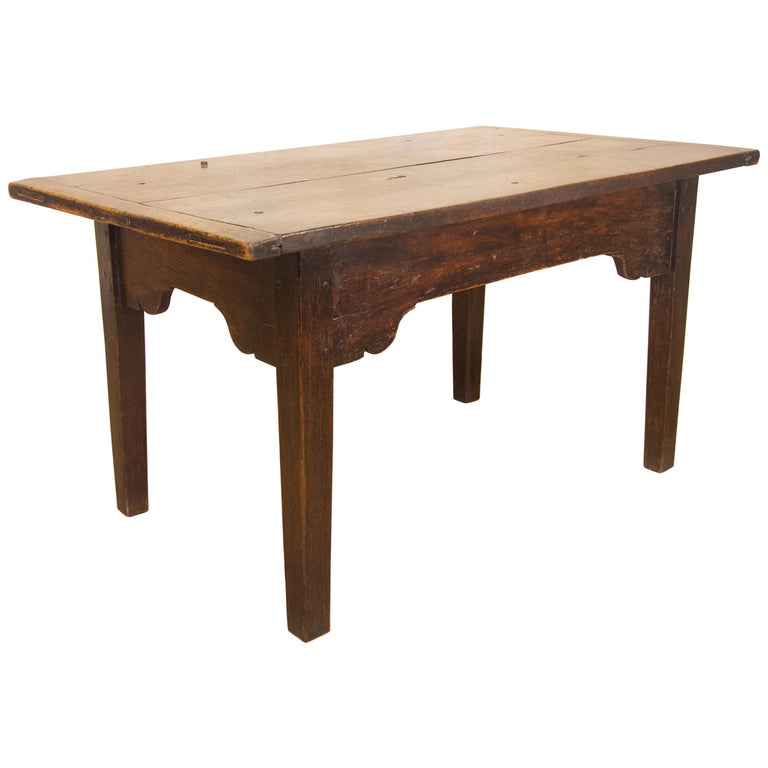 A Charming Mid 18th Century Joined Oak Country Farmhouse Table For Sale