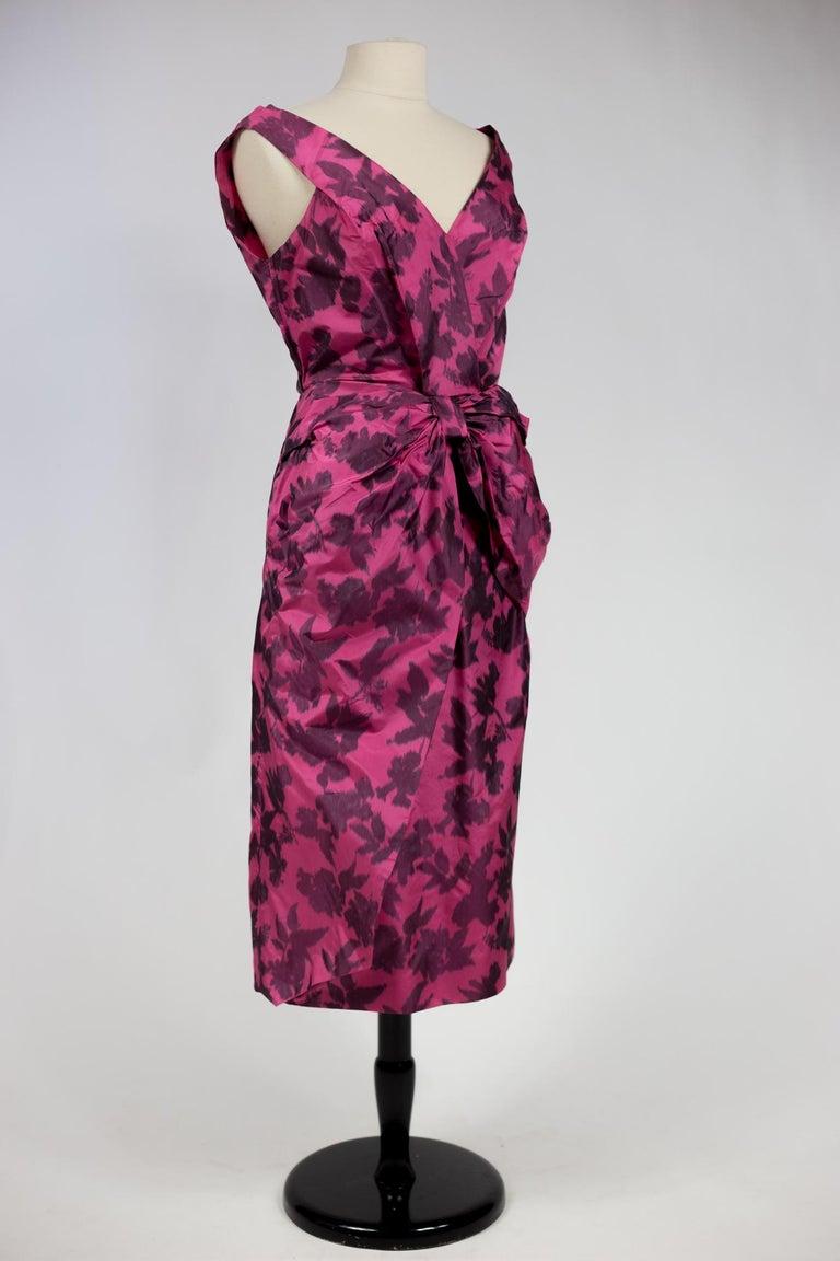 A Chiné Taffeta Silk cocktail Dress French Circa 1955/1960 For Sale 3