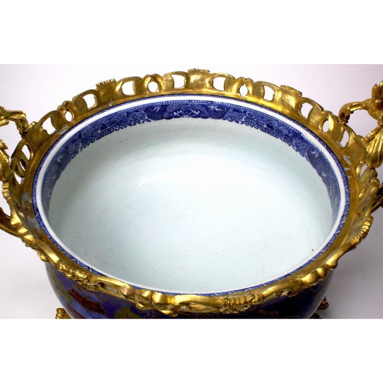 Chinese Export Famille Verte Porcelain & French Ormolu Chinoiserie Centerpiece For Sale 11