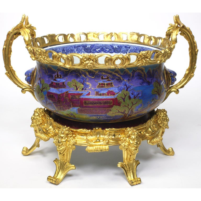 Gilt Chinese Export Famille Verte Porcelain & French Ormolu Chinoiserie Centerpiece For Sale