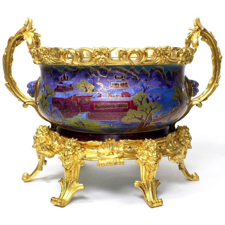 Chinese Export Famille Verte Porcelain & French Ormolu Chinoiserie Centerpiece In Good Condition For Sale In Los Angeles, CA