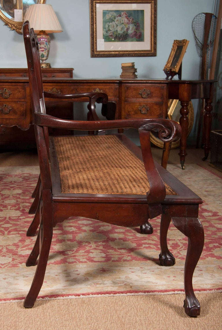 Chippendale Style Mahogany Carved Back Settee In Good Condition For Sale In Stamford, CT