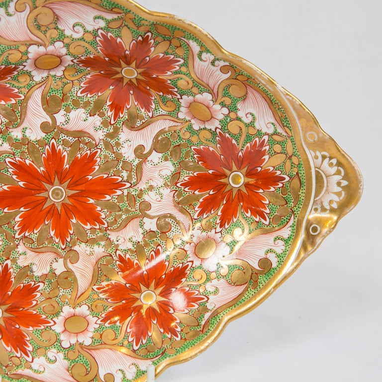 Hand-Painted Christmas Dish Made by Minton in England circa 1805 For Sale