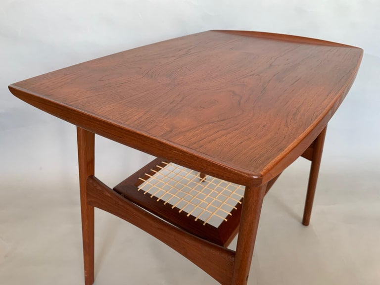 Classic Danish Side Table by Arne Hovmand-Olsen for Mogens Kold in Teak For Sale 6