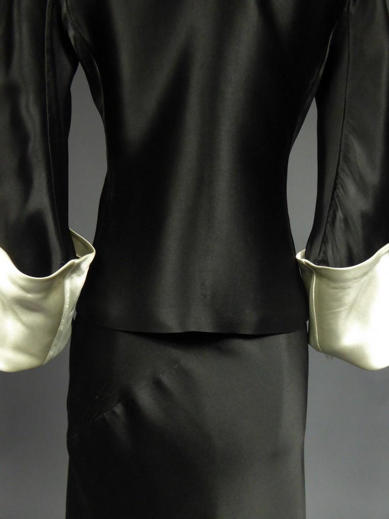 A Coco Chanel (attributed to) Tuxedo Satin Skirt Couture Suit - Paris Circa 1933 In Excellent Condition For Sale In Toulon, FR
