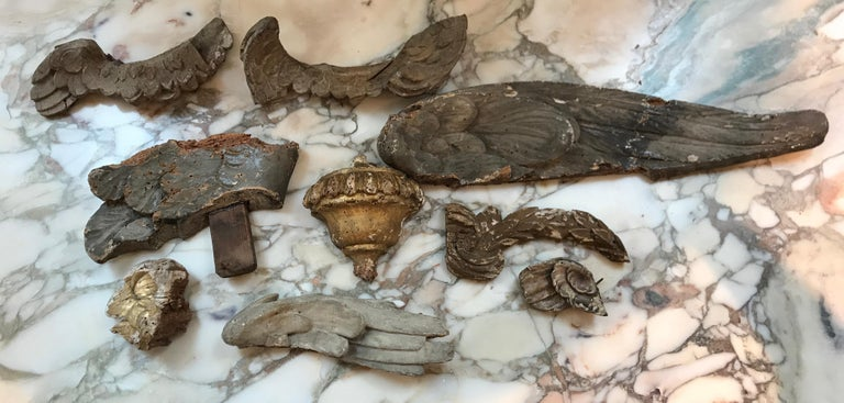 Collection of Nine Early 18th Century Italian Wood Fragments of Wings and Urns For Sale 5