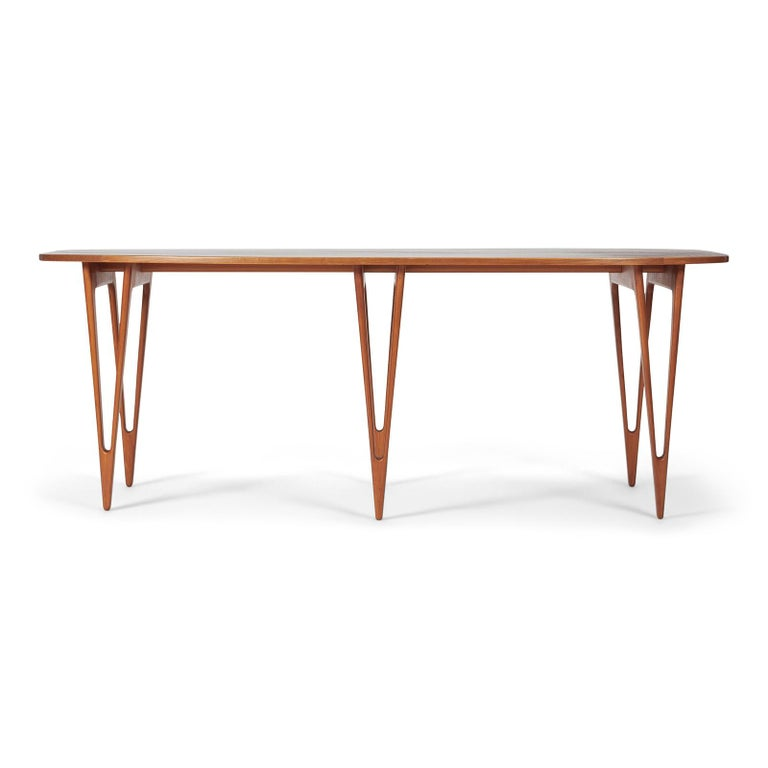A rare and early console table designed by Børge Mogensen in 1949. Made by master cabinetmaker Erhard Rasmussen, Denmark. The highly sculptural table has a top in Vavona burl wood on a base of cherrywood. It was shown at The Copenhagen