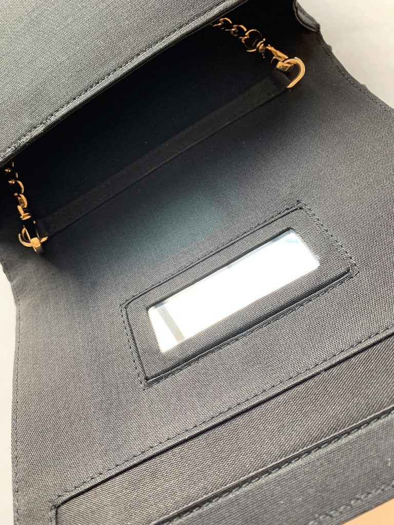 A contemporary 'Ameratsu' japanese brocade melissa bag (model)  For Sale 3