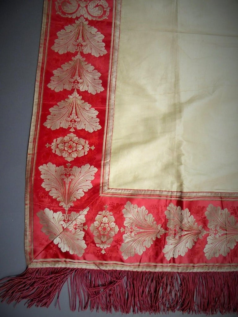 A Curtain in Cream Taffeta and Border in Red and Silver Lampas French Circa 1830 For Sale 1