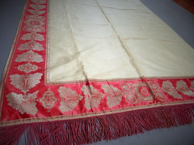 A Curtain in Cream Taffeta and Border in Red and Silver Lampas French Circa 1830 For Sale 4