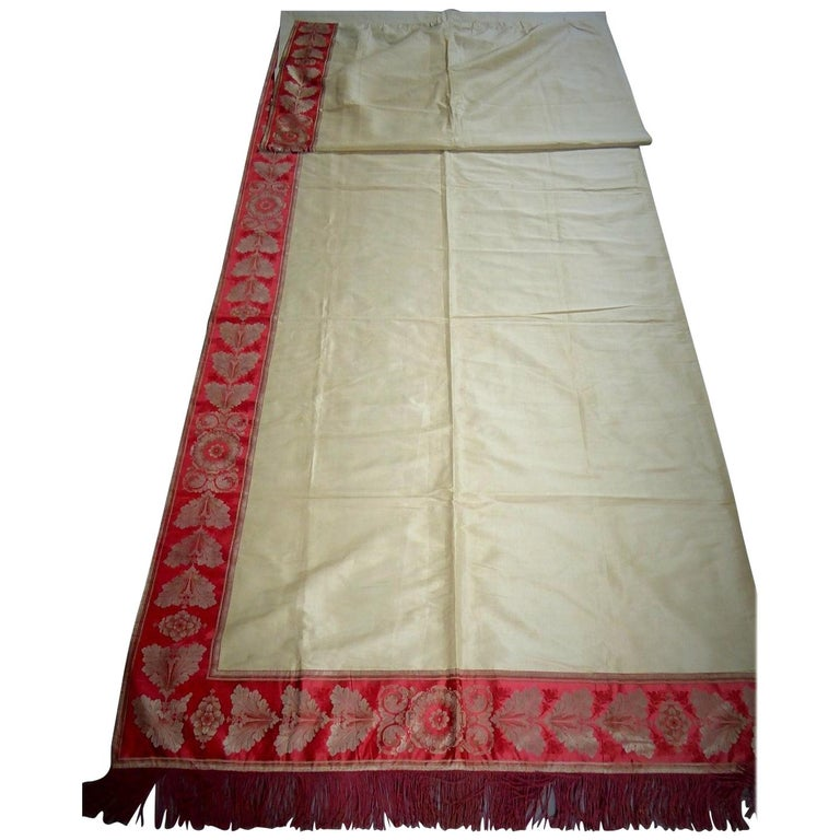 A Curtain in Cream Taffeta and Border in Red and Silver Lampas French Circa 1830 For Sale