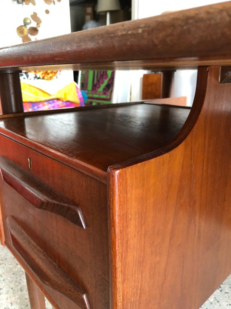 Mid-20th Century Danish Teak Desk by Pedersen with Floating Top For Sale