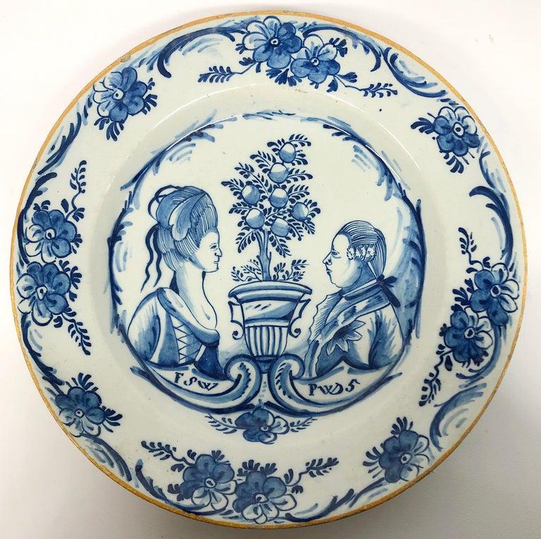 Dutch Delft Orangist Double Portrait Dish by De Porceleyne Lampetkan In Good Condition For Sale In Hilversum, NL