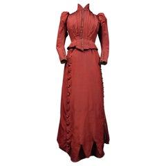 A Edwardian Faille Silk Amazon Bodice and Skirt Set  - England late 19th century