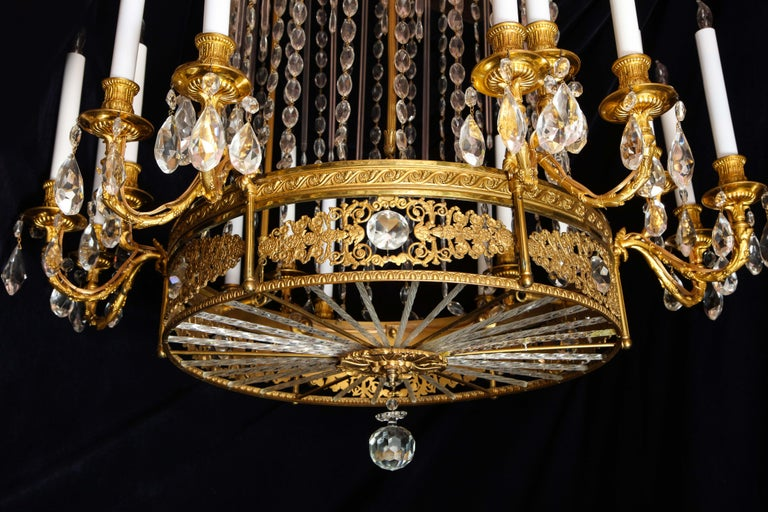Fine Antique French Louis XVI Style Gilt Bronze and Cut Crystal Chandelier For Sale 3